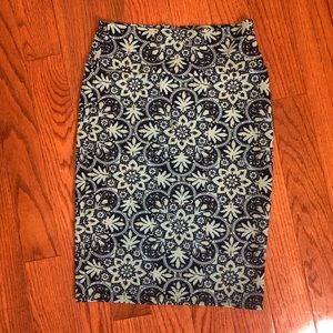 LuLaRoe Cassie pencil skirt Size Small NWOT